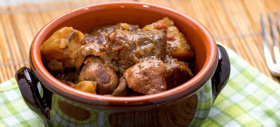 Spezzatino di carne con patate e funghi