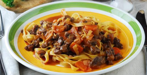 Tagliatelle al cinghiale e carote